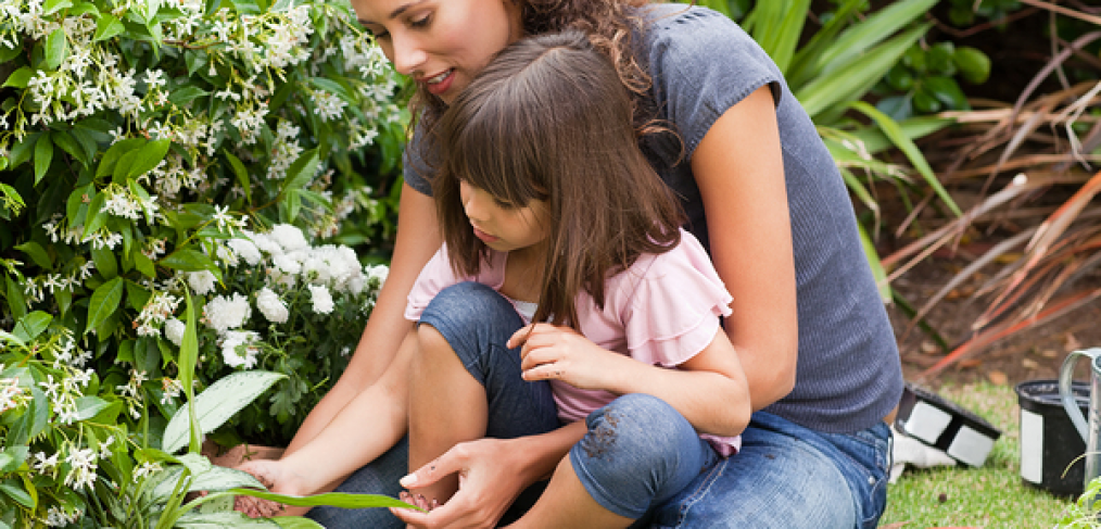 5 Vegetables and Herbs to Grow with Kids